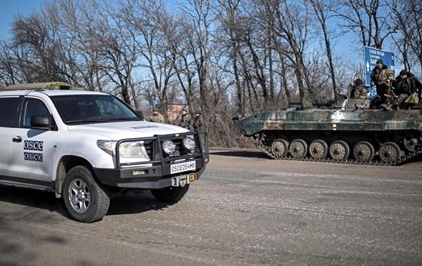 Наблюдатели фиксируют передвижение техники по Донбассу