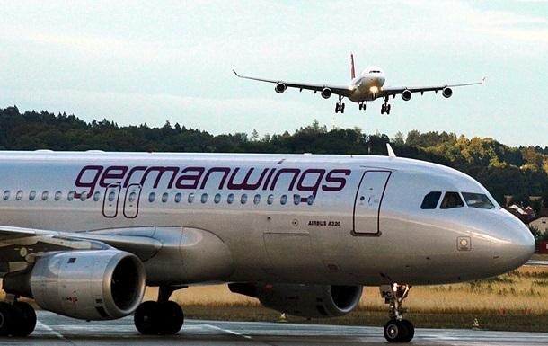Самолет Germanwings совершил вынужденную посадку в Германии