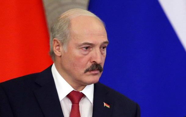 Лукашенко между войной, Путиным и Евросоюзом - Bloomberg