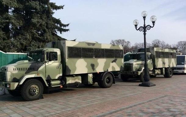 Милиция ввела особый режим охраны в центре Киева