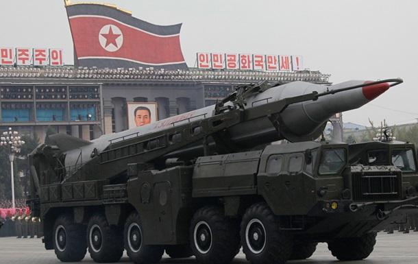Северная Корея запустила две ракеты перед визитом главы Пентагона