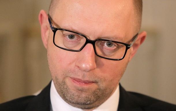Яценюк пообещал работникам космической отрасли привлечение инвестиций