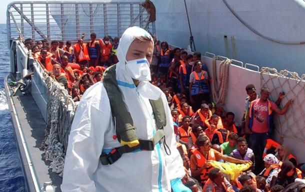 По пути из Ливии в Италию перевернулось судно с мигрантами, есть жертвы