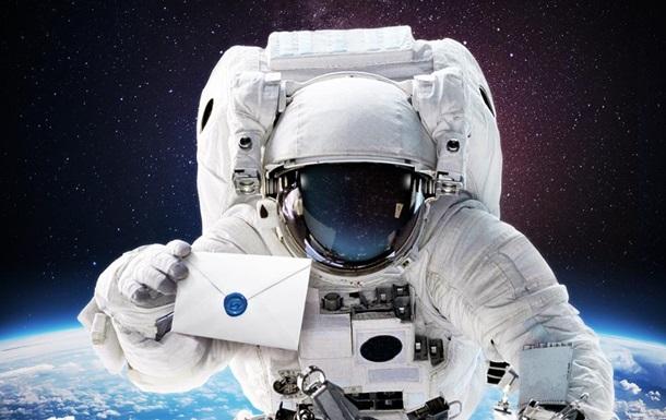 SMS для астронавта: дочь отправила отцу в космос послание-рекордсмен