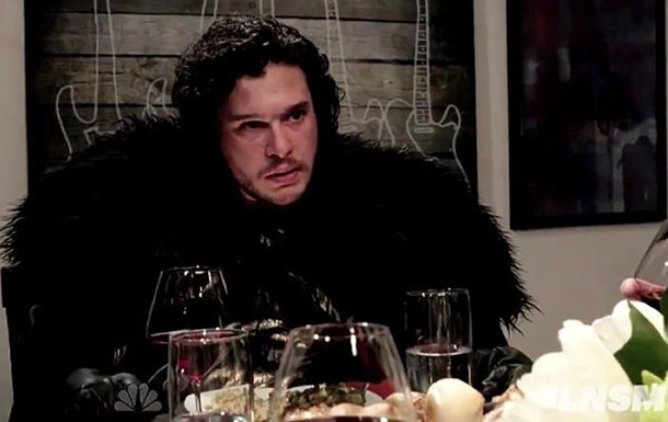 Игра престолов  за ужином: Джон Сноу показал, что не знает правил застолья
