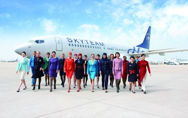 Составлен рейтинг авиакомпаний с самыми красивыми стюардессами