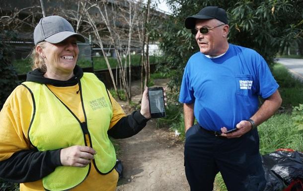 Мобильны под небом: сотни американских бездомных получили смартфон Nexus
