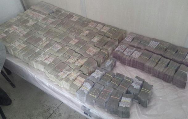 Житель Макеевки пытался вывезти из зоны АТО 6,5 миллионов гривен
