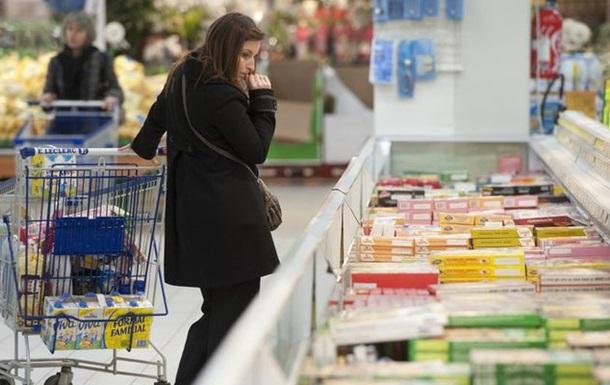 Украинцы вполовину сократили свои покупки. Что дальше?