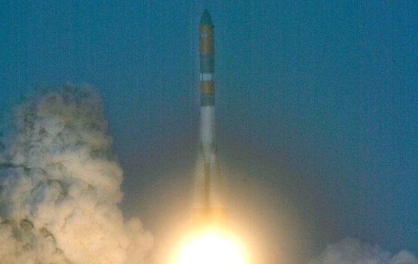 Российская экспериментальная ракета упала после запуска