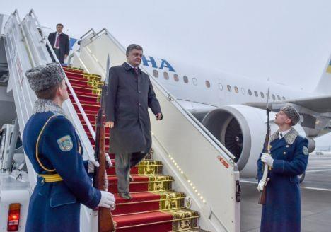 Порошенко  перещеголял  Януковича