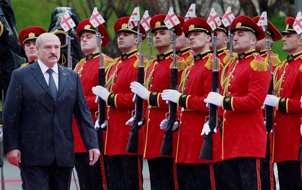 Зачем президент Беларуси приехал в Тбилиси