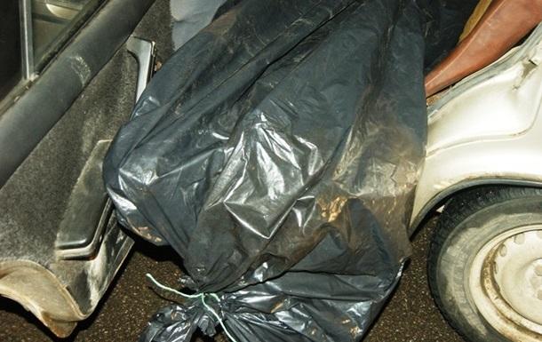 Во Львовской области в салоне автомобиля нашли труп