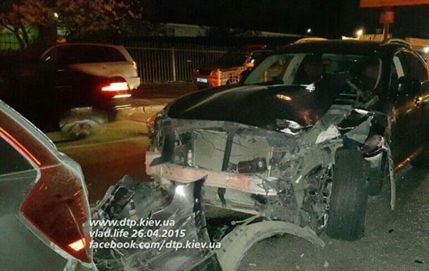 Водитель Infiniti, протаранивший четыре иномарки, оказался прокурором - СМИ