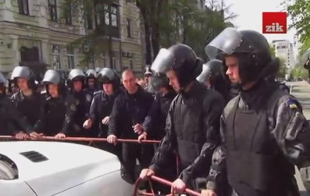 Пьяный водитель пытался прорваться к АП, где проходил саммит Украина-ЕС