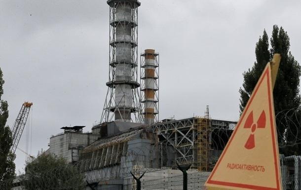 Яценюк: Изменений радиоактивного фона из-за пожара возле Чернобыля нет
