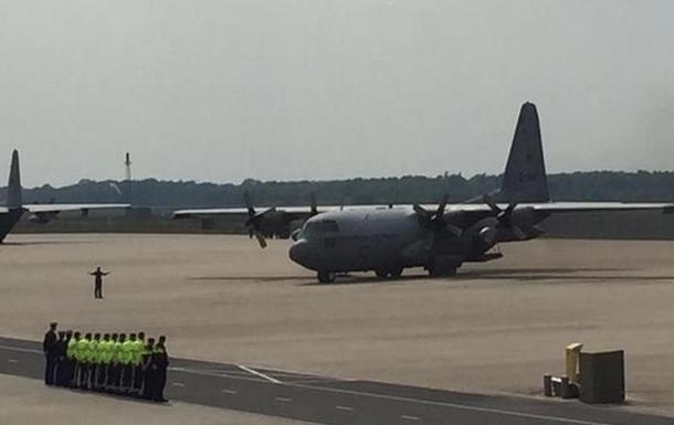 Последние останки жертв упавшего под Донецком Боинга доставили в Нидерланды