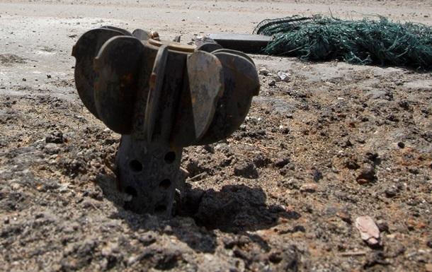 На Луганщине военный бензовоз подорвался на фугасе