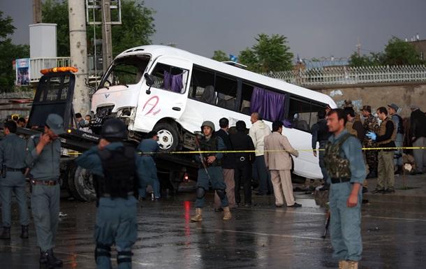 В Афганистане смертник подорвал автобус с сотрудниками генпрокуратуры