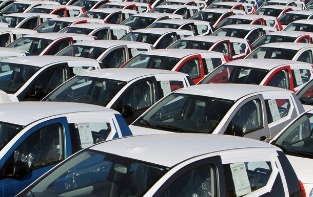 Продажи новых легковых авто в Украине рухнули почти на 80%