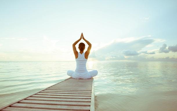 Йога помогает организму лучше переносить стресс – ученые