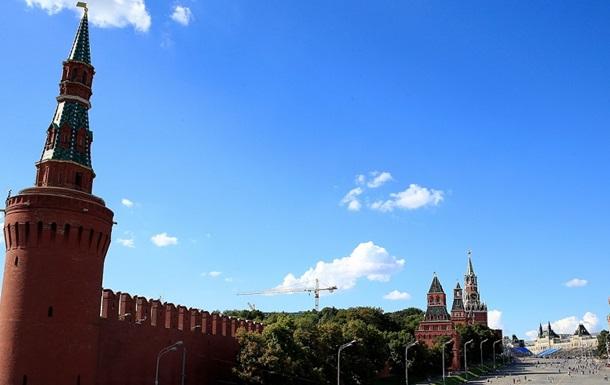 В Кремле пока не ознакомились с докладом Немцова о войне на Донбассе