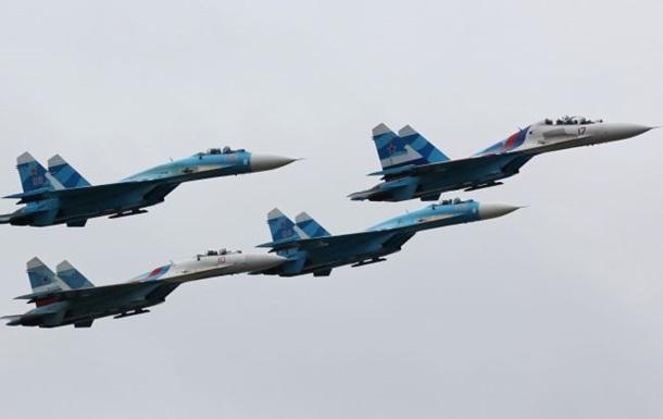 Россия перебросила в Крым новые истребители и бомбардировщики - СМИ