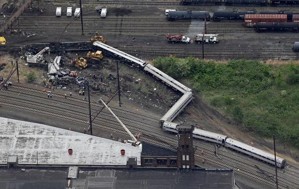 Сошедший с рельсов в США поезд превысил вдвое скорость
