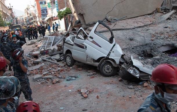 Число жертв нового землетрясения в Непале выросло до 96
