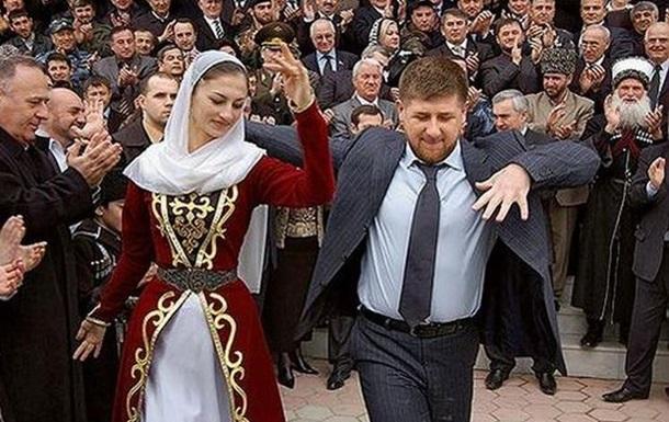 Кадыров станцевал лезгинку на скандальной  свадьбе века