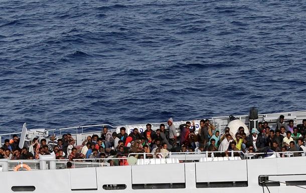 Военные корабли ФРГ топят лодки контрабандистов в Средиземном море