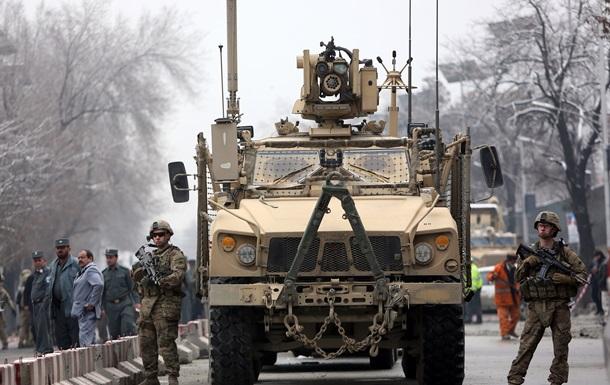 Россия прекращает транзит военной техники НАТО в Афганистан