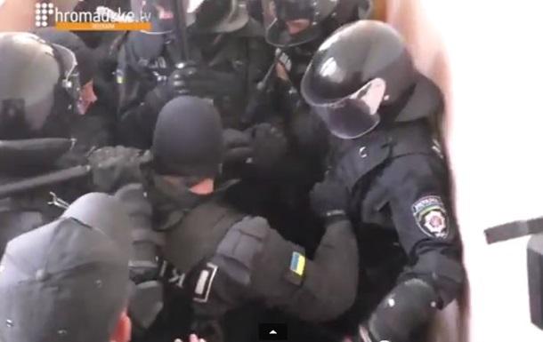 В Полтаве перед судом над Кернесом милиция напала на журналиста