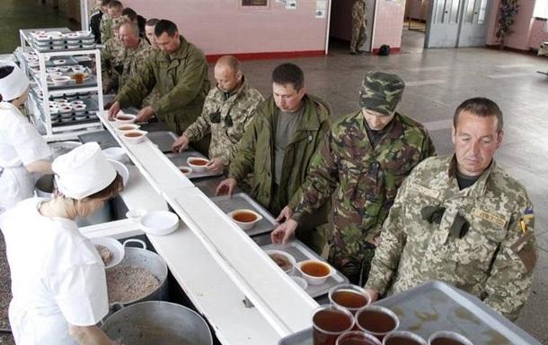 В Десне устроили показательный обед и тренировки военных