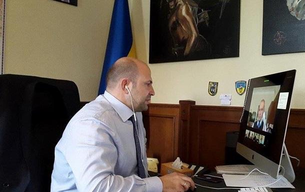 Чиновники Київщини будуть сидіти в соцмережах.
