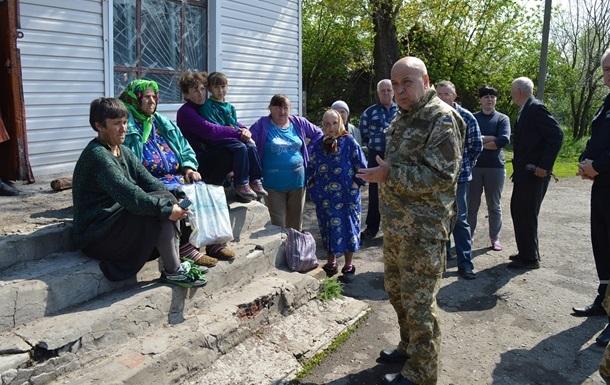 Обстрел Станицы Луганской: сгоревшие дома, перебои с газом и светом