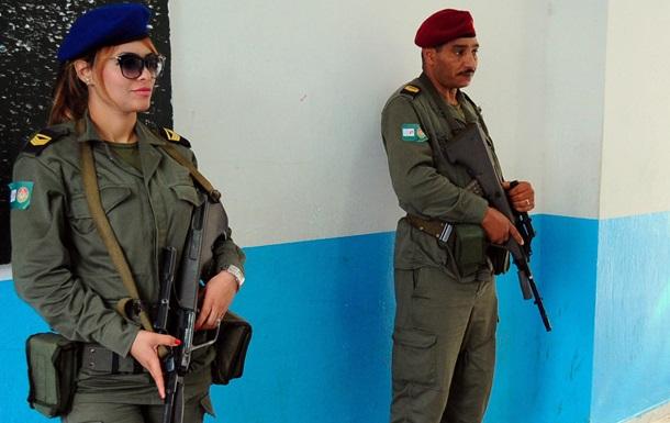 В столице Туниса солдат открыл огонь по сослуживцам