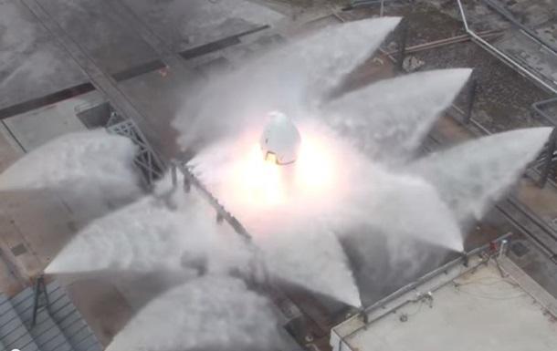 В SpaceX показали первые испытания своего пилотируемого корабля
