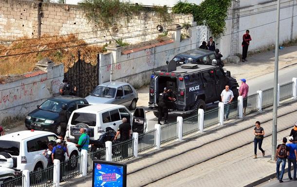 Расстрел военных в Тунисе: семь погибших, десять раненых