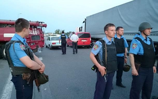Итоги 25 мая: Захват заложников под Харьковом и обыск в Unicredit Bank