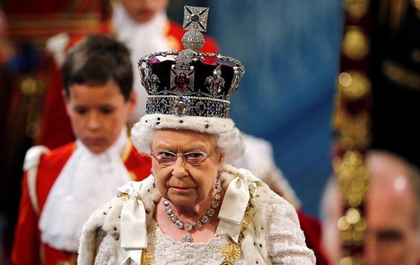 Елизавета II: Британия продолжит давить на Россию из-за Украины