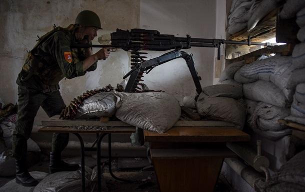 В результате обстрела в Луганской области ранили мирного жителя