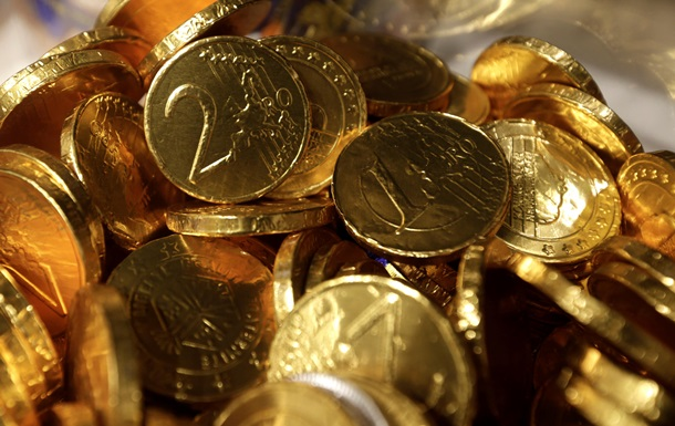 Министр финансов Германии попросил шоколадных монет для греческого коллеги