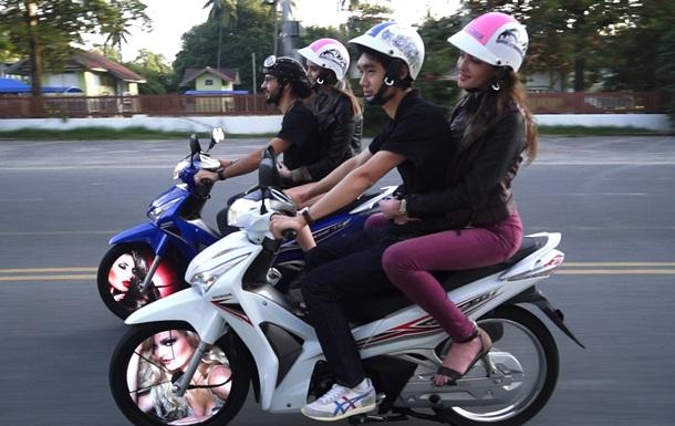 СМИ: Более 400 мотоциклистов-стритрейсеров задержаны в Таиланде