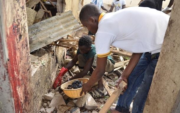 От взрыва бомбы в Нигерии погибли 50 человек