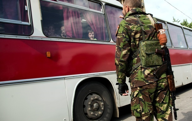 В Донецкой области сепаратисты эвакуируют местных жителей