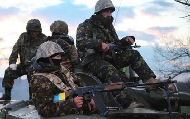Количество обстрелов Марьинки снизилось - штаб АТО