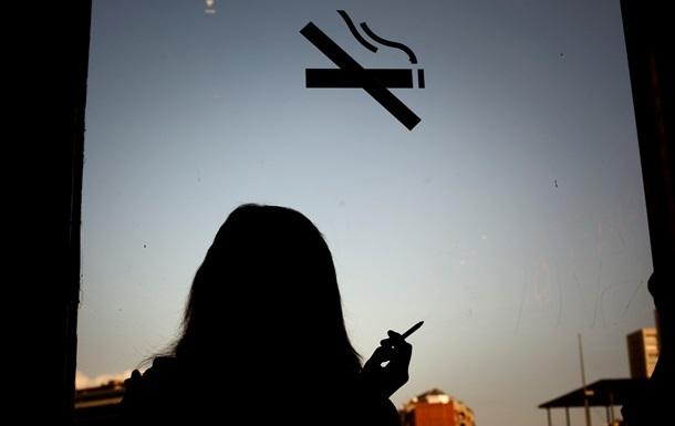 Чешское правительство поддержало запрет курения в барах