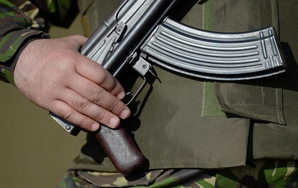 Российский солдат случайно застрелился и рикошетом ранил сослуживца