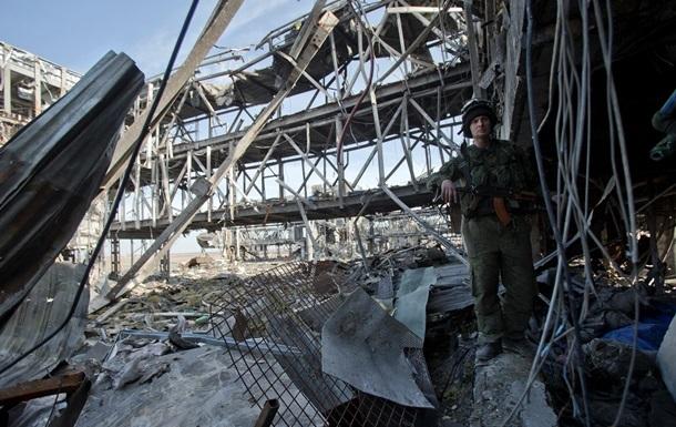 Наблюдатели ОБСЕ насчитали за день 249 взрывов около аэропорта Донецка